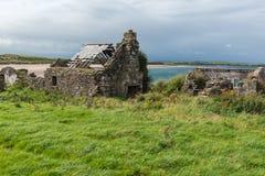 Ruin of a house at the irish coast Royalty Free Stock Photos