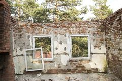 Ruin? ? la maison photo libre de droits
