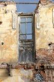 Ruina abandonada vieja de la casa Fotos de archivo