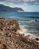 Ruina costera del coche del paisaje marino Imagenes de archivo