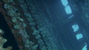 Ruina de la nave en el fondo del mar almacen de video