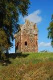 Ruina de la torre de Greenknowe en otoño imagenes de archivo