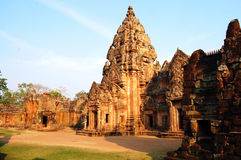 Ruina del castillo de la piedra del peldaño de Phanom de Buriram Tailandia Foto de archivo libre de regalías