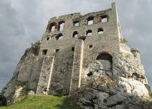 Ruina del castillo de Medival Imagenes de archivo