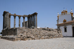 Ruina del templo antic romano Imagen de archivo libre de regalías