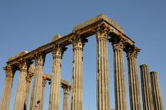 Ruina del templo antic romano Imágenes de archivo libres de regalías