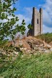 Ruina en el castillo del ajuste fotografía de archivo libre de regalías