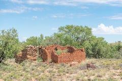 Ruina obok drogi między Steynsburg i Hofmeyer Zdjęcia Stock