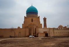 Ruina vieja antigua histórica del castillo y de la pared del edificio del Islam, Bukhara, Uzbekistán imagen de archivo