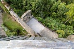Ruina vieja Gosting de la torre del castillo Fotografía de archivo
