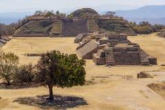 Ruina widoku Monte Alban miejsce, Meksyk fotografia stock
