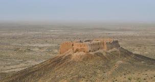 Ruinas abandonadas del fuerte de Ayaz Kala, Uzbekistán almacen de video