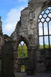 Ruinas adornadas de la abadía de Holyrood Imagen de archivo
