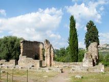 Ruinas antiguas antiguas del chalet Adriana, Tivoli Roma Foto de archivo libre de regalías