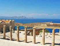 Ruinas antiguas del templo en Rhodos Imagen de archivo libre de regalías