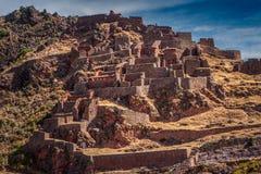 Ruinas arqueológicas del inca de Pisac en el valle sagrado fotografía de archivo