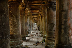 Ruinas camboyanas del templo Imágenes de archivo libres de regalías