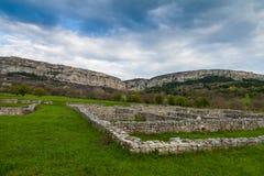 Ruinas cerca del pueblo de Madara, Bulgaria Foto de archivo libre de regalías
