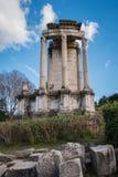 Ruinas clásicas Imagen de archivo libre de regalías
