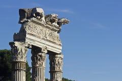 Ruinas de Fori Imperiali - Roma, Italia. Fotografía de archivo libre de regalías