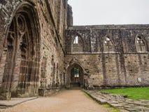 Ruinas de la abadía de Tintern, una iglesia cisterciense anterior del 12ma Foto de archivo libre de regalías