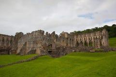 Ruinas de la abadía famosa de Riveaulx Imagen de archivo