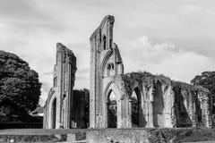 Ruinas de la abadía G de Glastonbury Imágenes de archivo libres de regalías