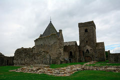 Ruinas de la abadía, isla de Inchcolm, Escocia Fotografía de archivo libre de regalías