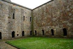 Ruinas de la abadía, isla de Inchcolm, Escocia Fotografía de archivo