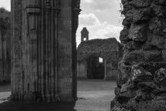 Ruinas de la abadía O de Glastonbury Imagen de archivo