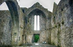 Ruinas de la abadía, Quin, Irlanda Foto de archivo