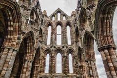 Ruinas de la abadía de Whithby Fotos de archivo libres de regalías
