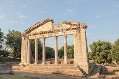 Ruinas de la arquitectura de griego clásico imagenes de archivo