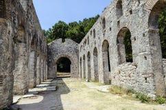 Ruinas de la basílica de Butrint Imágenes de archivo libres de regalías