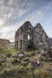 Ruinas de la casa de Calda en el lago Assynt Fotos de archivo