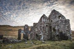 Ruinas de la casa de Calda en el lago Assynt Imagenes de archivo