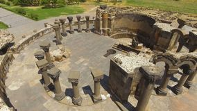 Ruinas de la catedral antigua de Zvartnots situada en la provincia de Armavir, Armenia almacen de video