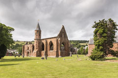 Ruinas de la catedral de Fortrose en la isla negra en Escocia Imagenes de archivo