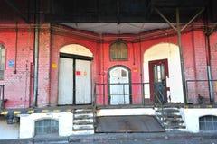 Ruinas de la fábrica vieja - entrada Foto de archivo