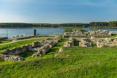 Ruinas de la fortaleza antigua Durostorum, cerca de Silistra - Bulgaria Imagen de archivo
