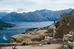 Ruinas de la fortaleza de St John (fuerte de Illyrian) sobre Kotor, Monte Imagen de archivo