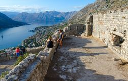 Ruinas de la fortaleza del fuerte del St John Illyrian sobre la ciudad de Kotor, Montenegro Fotos de archivo libres de regalías