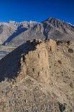Ruinas de la fortaleza en Tayikistán Fotografía de archivo libre de regalías