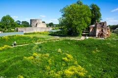 Ruinas de la fortaleza de Koporye Foto de archivo