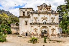 Ruinas de la iglesia, Antigua, Guatemala Imagen de archivo libre de regalías