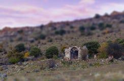 Ruinas de la iglesia medieval armenia imágenes de archivo libres de regalías
