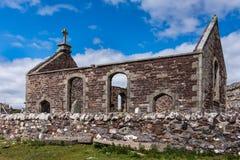 Ruinas de la iglesia parlamentaria en la península de Assynt, Escocia Imágenes de archivo libres de regalías