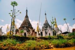 Ruinas de la pagoda en el lago Inle Fotos de archivo libres de regalías