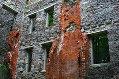 Ruinas de la pared de ladrillo Imagen de archivo libre de regalías