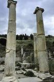 Ruinas de los colums de Ephesus Imagen de archivo